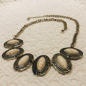 Jewelry - 5/$30 Boho Oval Necklace